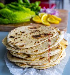 Orientaliskt tunnbröd - ZEINAS KITCHEN Bread Recipes, Cooking Recipes, Zeina, Mediterranean Dishes, Bread Baking, Baguette, Tapas, Cheesecake, Food And Drink