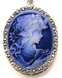 Lady in Blue Cameo http://amzn.to/2ryQ3vl
