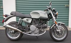 The bike is built around a 2007 GT 1000, the later, 'more civilised' version of the Ducati sport classic range, which only survived from 2006 until 2009.