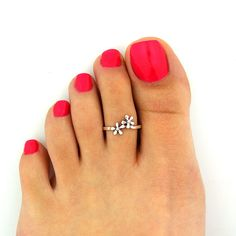 Sterling silver toe ring Flower design adjustable toe ring Also knuckle ring (T-93)