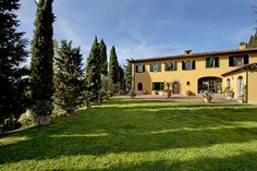 The Pandora Villa in Charming apartment in a century villa Holiday Apartments, Vacation Apartments, Top Destinations, Terrace Garden, Under The Stars, Terraces, 17th Century, Florence, Pandora
