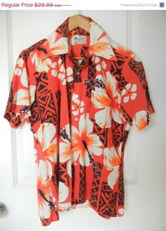 Shop for on Etsy, the place to express your creativity through the buying and selling of handmade and vintage goods. Vintage Hawaiian Shirts, Beach Party, 1960s, Kimono Top, Men Casual, Mens Tops, Stuff To Buy, Etsy, Shopping