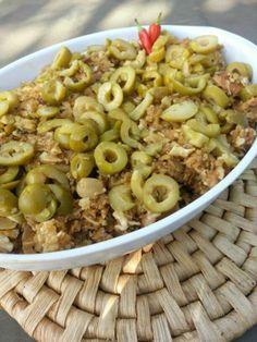carne de couve flor                                                                                                                                                                                 Mais Delicious Vegan Recipes, Vegetarian Recipes, Healthy Recipes, Vegan Kitchen, Vegan Foods, Vegan Life, Going Vegan, Veggies, Cooking