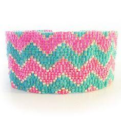 Pink and Blue Chevron Bracelet Peyote por dicopebisuteria en Etsy