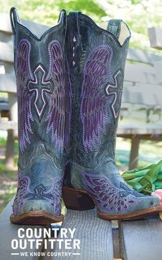 Cowboy boots, wish I could afford them. Vintage Cowgirl, Cowgirl Chic, Cowgirl Style, Cowgirl Boots, Country Style Outfits, Boot Bling, Black Wings, Fashion Boots, Me Too Shoes