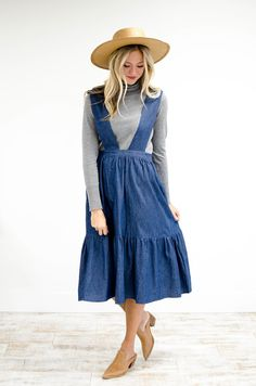 Denim Pinafore Skirt Wide V Ribbon Straps Ruffled Hem Panel Gathered Waist View Size Chart Model is + Wearing a Small Casual Skirt Outfits, Modest Outfits, Modest Fashion, Cute Outfits, Fashion Outfits, Girls In Suspenders, Overall Skirt, Simple Dresses, Types Of Fashion Styles