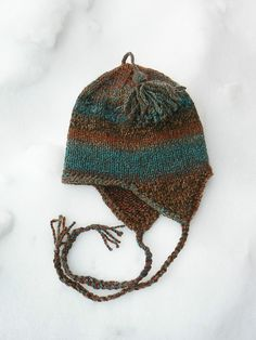 Ravelry: Free Very Basic Bulky Ear-flap Hat pattern by Anne Carroll Gilmour. Child to adult sizes.