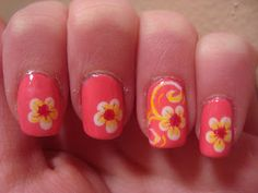 paint that nail: Fashionable Friday! two colored flowers
