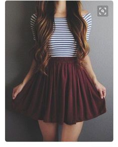 Super cute outfit but not a fan of the elastic skirt.
