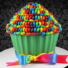 Nutella & M&M's Giant Rainbow Cupcake!