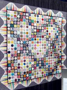 Les artistes du vendredi | L' Atelier d Emma Circle Quilt Patterns, Circle Quilts, Square Quilt, Cute Quilts, Scrappy Quilts, Patch Quilt, Applique Quilts, Quilting Quotes, Charm Quilt