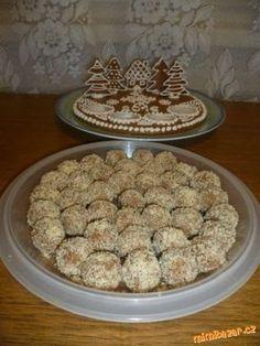 Chtěla jsem dělat kokosové kuličky,ale měla jsem málo kokosu,na rumové zas žádný rum,na rafaello jse... Polish Recipes, Russian Recipes, Cereal, Rum, Cookies, Breakfast, Desserts, Food, Crack Crackers