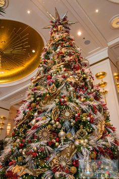 vielleicht etwas überladener Weihnachtsbaum (photo by airfurt.net) - Check more at https://www.miles-around.de/hotel-reviews/hotel-review-the-peninsula-chicago/,  #Chicago #Grandhotel #Hotel #HotelReview #Illinois #Reisebericht #Restaurant #USA