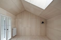 Example of plywood interior - panels may be too uniform though // Hans Verstuyft Plywood Ceiling, Plywood Walls, Timber Ceiling, Wood Ceilings, Plywood Interior, Interior Walls, Interior Cladding, Interior Architecture, Cabin Design