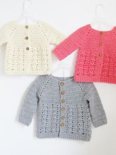 Baby Crochet Textured Crochet Baby Sweater Pattern - Crochet Dreamz - This crochet baby sweater includes 6 sizes from baby to Toddler. The pattern has an easy to work Raglan shaping and a textured body with floral stitches. Crochet Baby Cardigan Free Pattern, Crochet Baby Blanket Beginner, Crochet Baby Jacket, Crochet Baby Sweaters, Baby Sweater Patterns, Baby Clothes Patterns, Crochet Baby Clothes, Baby Patterns, Baby Knitting
