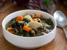 Wild Rice and Mushroom Soup recipe from Trisha Yearwood via Food Network (Season 8 -- Chop Chop) Trisha's Southern Kitchen, Southern Dishes, Mushroom Soup Recipes, Tv Chefs, Wild Rice Soup, Stuffed Mushrooms, Stuffed Peppers, Soup And Sandwich, Kitchens