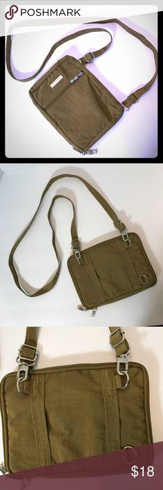 17e1fcaa28 BAGGALLINI CROSSBODY BAG Brown lightweight crossbody bag  Excellent  condition  Multiple compartments  Adjustable shoulder