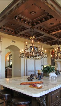 If you are having difficulty making a decision about a home decorating theme, tuscan style is a great home decorating idea. Many homeowners are attracted to the tuscan style because it combines sub… Spanish Style Homes, Spanish House, Tuscan Design, Tuscan Style, Style Toscan, Plafond Design, World Decor, Mediterranean Home Decor, Mediterranean Architecture