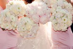 Tori's beautiful Bridal Bouquet and Bridesmaids!