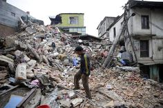 Bei dem schweren Erdbeben in Nepal sind mindestens 1900 Menschen ums Leben gekommen.