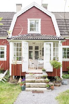 Scandinavian Cottage, Swedish Cottage, Sweden House, Red Houses, Cottage Exterior, Nordic Home, Country Farm, House Goals, Future House