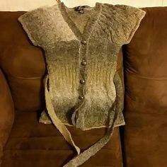 BKE Boutique short sleeve sweater In great condition! BKE Sweaters