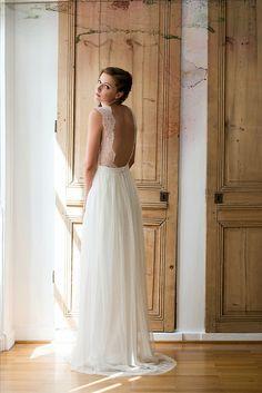 Ya en el nuevo año y… nueva colección ¿que digo? La Mayor Colección de vestidos de novia donde el mayor protagonismo reside en … ¡la espalda! si, si… ¡espalda descubierta! colecci…