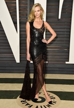 The 2015 Vanity Fair Oscars party red carpet : Karlie Kloss in Atelier Versace Karlie Kloss, Vogue, Robes D'oscar, Vestidos Oscar, Fashion Models, Fashion Show, Oscar Fashion, Moda Chic, Oscar Dresses