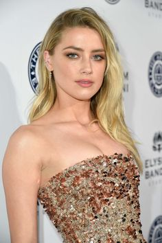 Welcome to Daily Amber Heard. Your number one source for everything around the gorgeous Amber Heard. Amber Heard Hot, Amber Heard Style, Amber Head, Hottest Female Celebrities, Curvy Celebrities, Pretty Females, Woman Crush, Hollywood Actresses, Most Beautiful Women