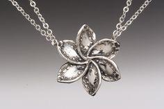 Lila flower necklace. Beautiful!