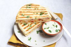 Tostadas, Sandwiches, Boys Food, Naan, Lunches, Brunch, Yummy Food, Delicious Recipes, Bread