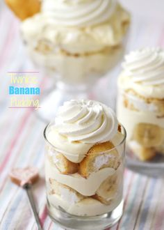 Twinkie Banana Pudding -- I've died and gone to heaven! Genius!