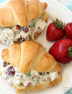 Chicken salad in 5 minutes - My magic recipe # sandwiches salad recipe easy Chicken Salad Recipes, Healthy Salad Recipes, My Recipes, Salad Chicken, Golden Chick Chicken Salad Recipe, Chicken Salad Recipe Grapes Celery, Simple Chicken Salad, Simple Sandwich Recipes, Biscuits