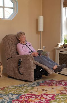 Ideal for smaller users the Oslo Petite Riser Recliner is equipped with a handy rising feature to help those who struggle sit down or stand up.