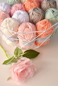 Yarns by Claire - thick and soft yarn, doesn't itch (50% cotton and 50% acrylic).  For warm shawls, scarves and home accessories  /  http://www.echtstudio.nl/wol-garen/byclaire/byclaire-nr-2.html?p=1