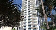 Sole on the Ocean Sunny Isles Beach This oceanfront hotel features direct beach access, a business centre, and an on-site spa. Shopping, dining and entertainment at Miami Beach are 20 minute's drive away.