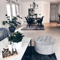 Living Room Orange, Home Living Room, Living Room Decor, Interior Exterior, Interior Design, Cosy Room, Apartment Makeover, Modern Style Homes, Minimalist Room