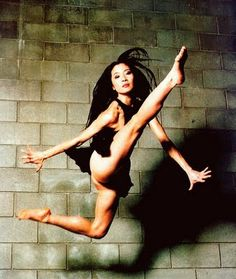 Michelle Yeoh, she is my favorite woman and my role model. its rad. Michelle Yeoh, Ipoh, Kung Fu Movies, Culture Art, Martial Arts Women, Bond Girls, Portraits, Modern Dance, Action Poses