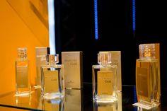 """Independente do tamanho do seu sonho ou do tempo disponível para se dedicar, você encontrará na Hinode uma forma de ganhos que atenda suas expectativas.  Os perfumes da linha Hinode Traduções Gold são os únicos do mercado brasileiro com 23% de concentração.  Classificado assim com """"Parfum"""" no nível dos melhores perfumes do mundo. Acima de """"Cologne"""" e """"Eau de Toillete"""" normalmente vendido no Brasil.  * Todos os frascos contém 100 ml de perfume. * Produto com Registro ANVISA nº 343/05"""