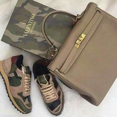 Valentino chamo sneakers with a coordinated Hermes Kelly bag Zapatillas Casual, Tenis Casual, Zapatillas Louis Vuitton, Hot Shoes, Shoes Heels, Valentino Sneakers, Kelly Bag, Shoe Boots, Fashion Shoes