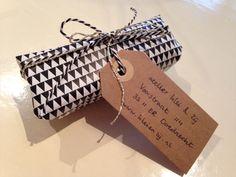Geometric giftwrap with kraftpaper label www.kleienzij.nl