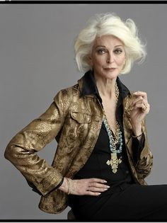 Carmen Dell'Orefice by Timothy Greenfield-Sanders.....i love her style!