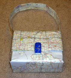 How to Make a Map Purse: 23 Steps (with Pictures) - wikiHow