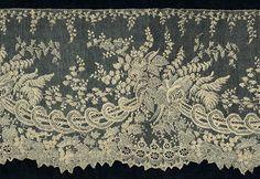 """oint d'Alençon. France. 19th century. 7½"""" wide  (19 cm).    L-855.  Magnified detail belowMARLA MALLETT: TEXTILES  Needlepoint Lace Main Lace Page"""