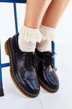 Martens, they look really cute with frilly socks! Dr Shoes, Sock Shoes, Cute Shoes, Me Too Shoes, Shoe Boots, Oxford Shoes, Shoe Bag, Flat Shoes, Doc Martins Shoes