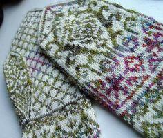 Ravelry: mellusions' 2012 Joy Mitterns [knit mittens colorwork]