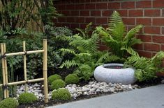 Inspiring small japanese garden design ideas 40 To be able to have an excellent Modern Garden Decoration, it's useful to … Small Japanese Garden, Japanese Garden Design, Japanese Style, Japanese Gardens, Japanese Patio Ideas, Japanese Landscape, Small Patio Design, Backyard Garden Design, Large Backyard