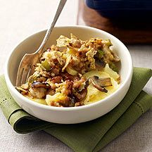 weight watchers cheeseburger casserole - this one is interesting since instead of a crust it uses potato slices and ground turkey for beef.  Would definitely try but would omit mushrooms and maybe sub something else for turkey (since husband isn't a fan of turkey at all)
