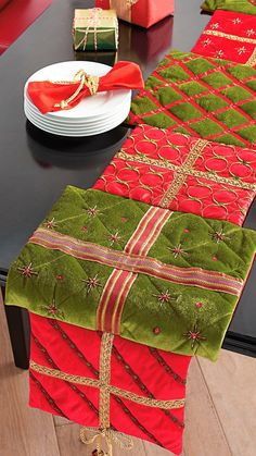 Presents table runner. Could DIY this with different patterned dollar tree Christmas placemats. Candy Christmas Decorations, Christmas Colors, All Things Christmas, Christmas Holidays, Christmas Ornaments, Christmas Projects, Holiday Crafts, Holiday Fun, Christmas Fabric Crafts