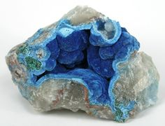 Shattuckite pocket in quartz
